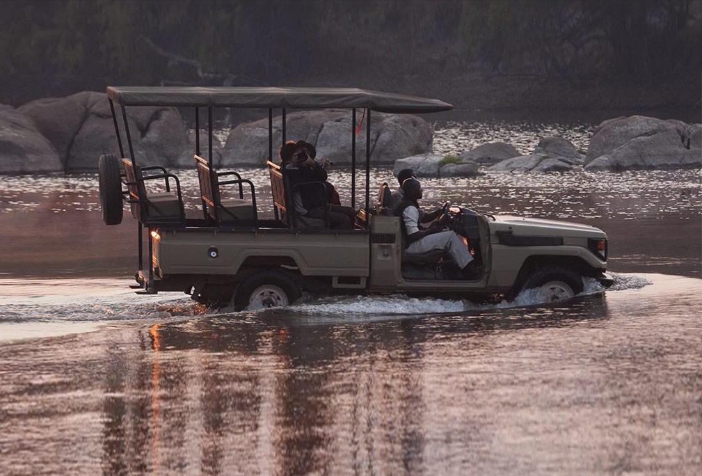 Plains And Rivers Safari